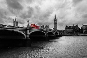 Foto op Aluminium Londen rode bus Londres en blanco y negro