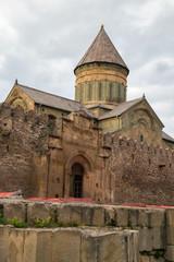 Грузинский древний православный храм в Мцхете.Вертикально.