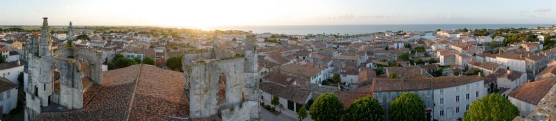 vue panoramique sur saint-martin-de-ré