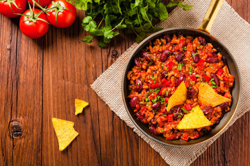 Mexican nachos with chili con carne