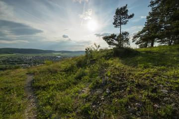 Abend über dem Naturschutzgebiet Grainberg-Kalbenstein bei Karlstadt, Landkreis Main-Spessart, Unterfranken, Bayern, Deutschland