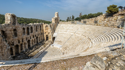 Fototapete - Panoramic view of the Odeon of Herodes Atticus at Acropolis of Athens, Greece