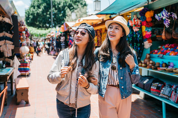 backpackers shopping in the Mexican street