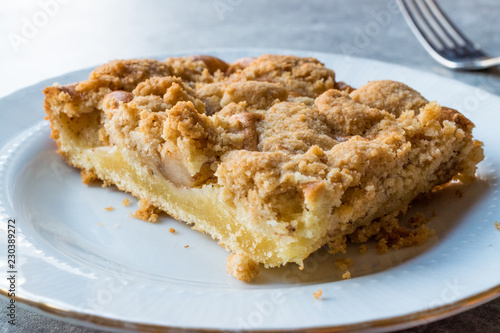 Homemade Apple Crumble Cake Slice With Fork Stockfotos Und