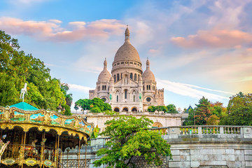 Photo sur Plexiglas Paris Sacre Coeur Cathedral on Montmartre Hill in Paris