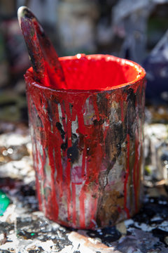 Can with red paint