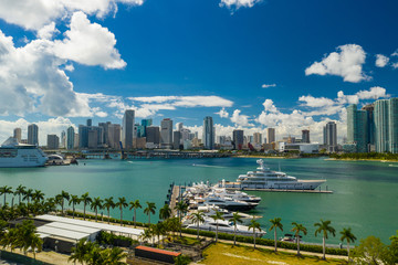Aerial scenic image Downtown Miami and Islnad Gardens Marina polarizer filter