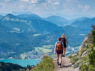 Foto auf AluDibond Gebirge Wanderung in Österreich am Schafberg