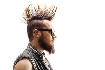 Profile face shot of a male punker with mohawk hairstyle Fototapete