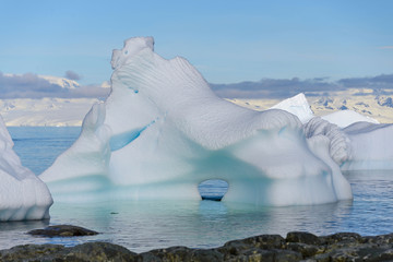 Spoed Foto op Canvas Antarctica Antarctic landscape with iceberg