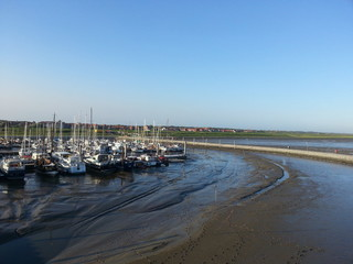 Hafen Wattenmeer bei Ebbe