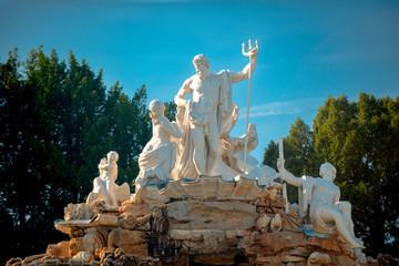 Der Neptunbrunnen im Schloßpark vom Schloß Schönbrunn in Wien, der Hauptstadt Österreichs