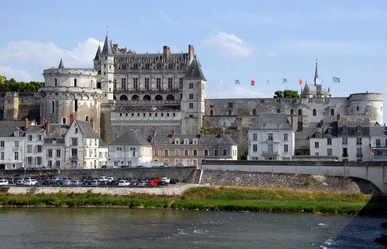 """Château Royal d'Amboise surplombe la Loire, """"Château de la Loire"""", département d'Indre-et-Loire, France"""