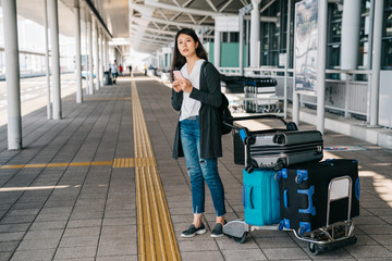 asian businesswoman arrive in kansai airport