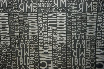 fondo con tipografias y palabras de la revolucion mexicana