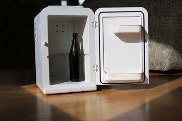 Alkoholproblem im Kühlschrank