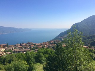 a village on the lake Garda