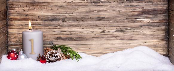 erster Advent Hintergrund Kerze Holz