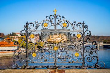 Porte-bonheur sur le Pont Charles de Prague