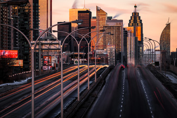 Traffic on the Highway in a Busy City at Sunset, Toronto Fotomurales