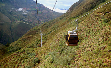 Zelfklevend Fotobehang Zuid-Amerika land Telecabinas Kuelap or Cable Car on Its Way Back from Kuelap Fortress Archaeological Complex in Amazonas Region of Northern Peru