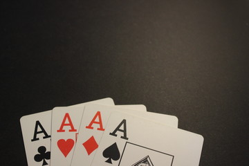 Poker quadra