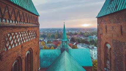Zwischen den Türmen des Doms zu Lübeck