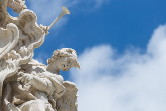 Statues at the Trevi fountain