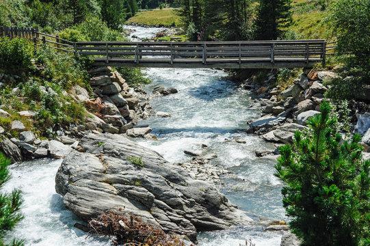Brücke über die Schwarzach im Defereggental
