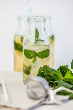 Homemade ice tea with mint & ginger
