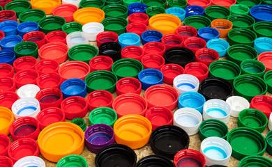 Tampinhas plásticas coloridas