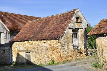 Verlassene Mittelalterliche Landhausruine in Südwest Frankreich