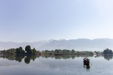Shikara en Lago Nageen