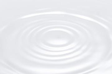 波紋 牛乳