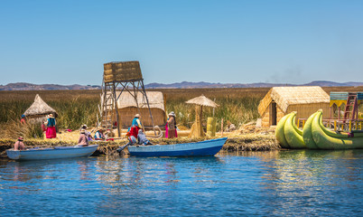 Zelfklevend Fotobehang Zuid-Amerika land Uros floating islands of lake Titicaca, Peru, South America