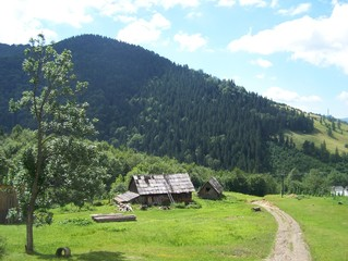 house in the karpatian mountains