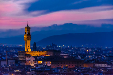 Cityscape of the italian city of Florence in the dusk