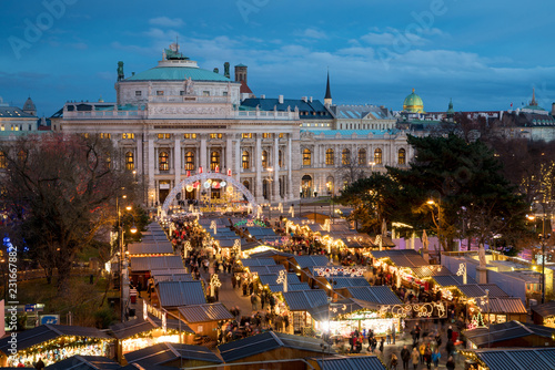 Vienna Christmas Market.Vienna Christmas Market Near Burgtheater Stock Photo And