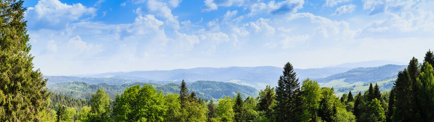 Panorama. A view of the Beskids from Krynica Zdroj.