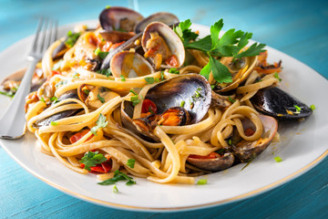 Linguine allo scoglio, dish of italian pasta with seafood