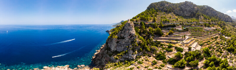 Foto auf AluDibond Insel Aerial view, Spain, Balearic Islands, Mallorca, Andratx region, west coast, Tramuntana mountains, Torre del Verger