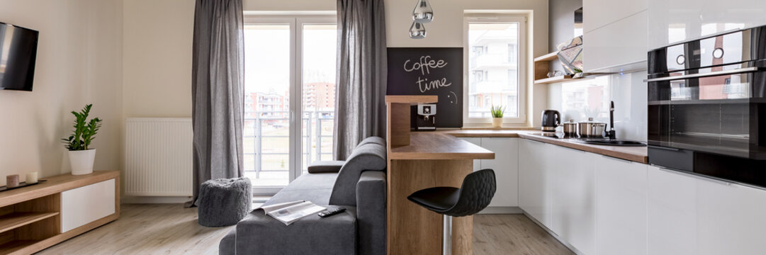 Home interior with open kitchen