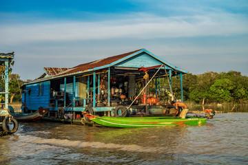 Kambodscha  - Angkor - Siem Reap - schwimmende Dörfer auf dem Tonle Sap