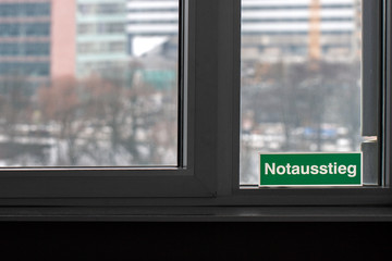 Notausstieg Fenster Fluchtweg