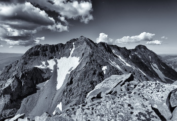 Fototapete - Photo of Gladstone Peak from the summit of Wilson Peak, near Telluride.  Colorado Rocky Mountains.