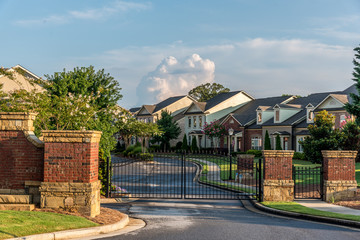 Typical fresh new gated community entrance in United States southern states Fotomurales