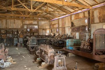 viejo taller mecanico Fototapete