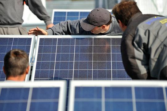 Solaire panneaux photovoltaique energie vert renouvelable
