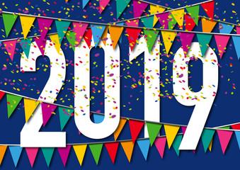 Carte de vœux 2019 dans une ambiance de fête, avec des fanions de couleurs, des guirlandes et des cotillons sur un fond bleu nuit.