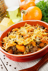 Chicken liver baked with pumpkin and cheese